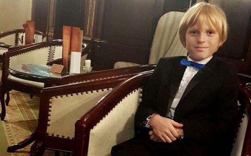 Oliver Frankel, românul de 11 ani, cu o voce de aur, cântă la Sala Palatului din Bucureşti