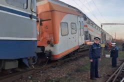 Accident feroviar la Ploieşti. Un tren de marfă a intrat într-un tren de călători