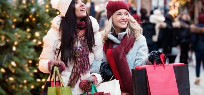 Febra cumpărăturilor de Crăciun, boom pentru piața bunurilor de larg consum