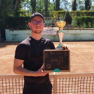 Florian Boureanu, campion RTP, la trei ani de la debutul în circuit. A câştigat turneul RTP 100 GOLD CUP 2020